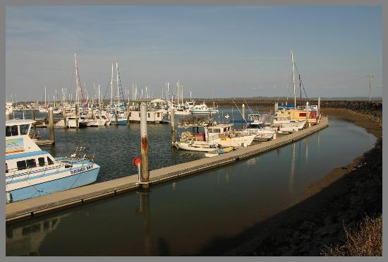 Boat Harbour Resort: Late afternoon at Urangan Boat Harbour