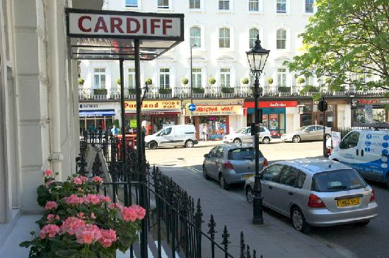 Cardiff Hotel: Entrance to the hotel