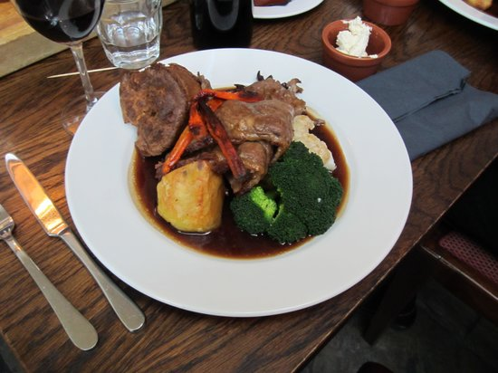 The Britannia: Sunday Roast