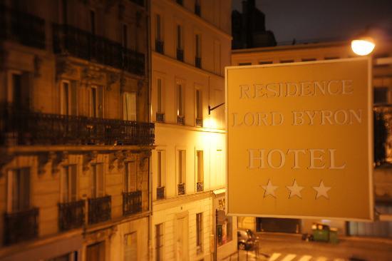 Residence Lord Byron : hotel signage