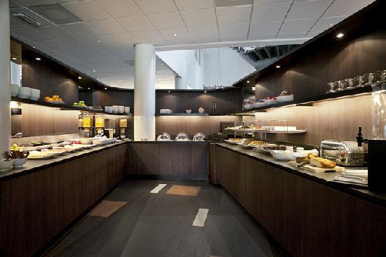 Inntel Hotels Amsterdam Zaandam: Champagne Buffet Breakfast