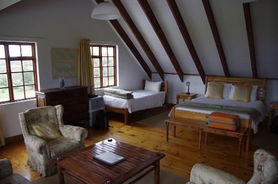 Drakensberg Mountain Retreat - Vergezient Lodge: Room 1