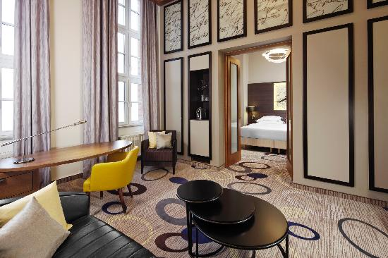 Sheraton Hannover Pelikan Hotel: Deluxe Suite