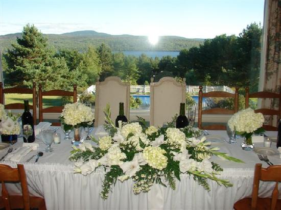 Country Club Inn: Destination Weddings