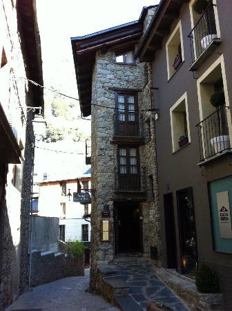 Hostal Cisco De Sans: Hotel desde la calle