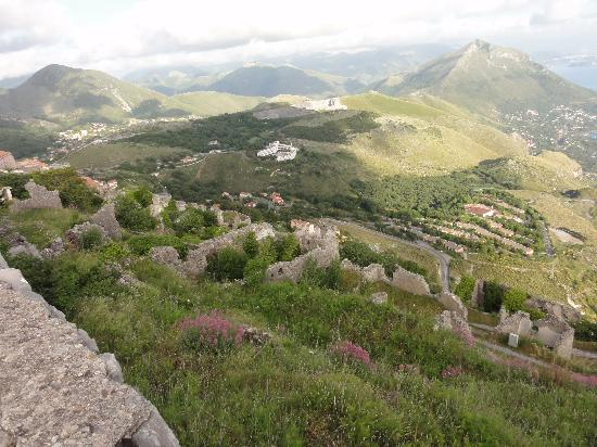 Monte San Biagio: dall'alto panorama entroterra