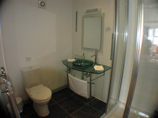 Bottreaux House Bed & Breakfast: 'William' En Suite Bathroom