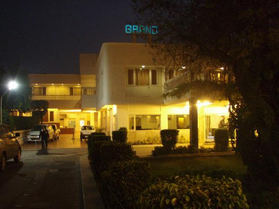 "Grand Hotel Agra: yes, it does look ""grand"""