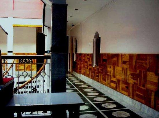 Manohar Inn Hotel