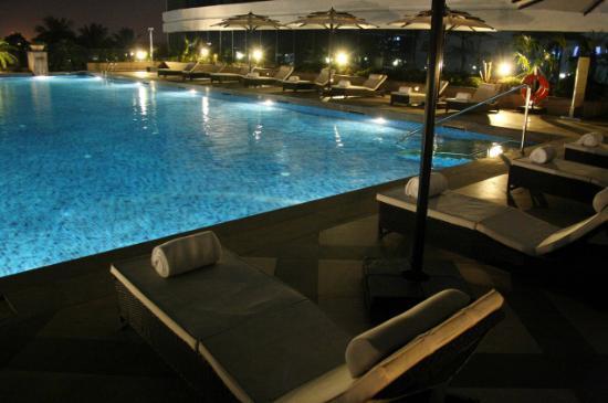 Vivanta by Taj - Surya: swimming pool