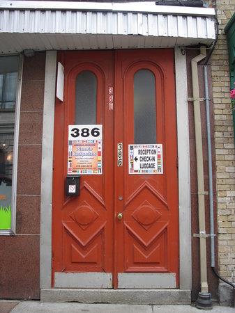 La Belle Planete Downtown Quebec Hostel