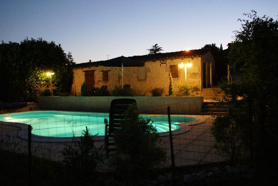 Soubran, Frankrig: Domaine la Fontaine - by night
