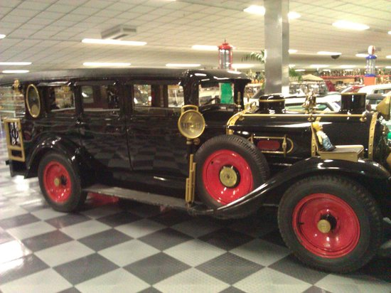 Tallahassee Antique Car Museum Photo
