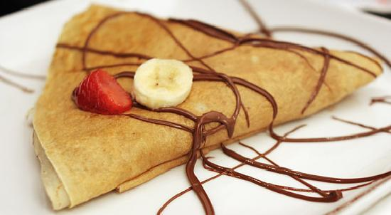 La Cabane Quarteira : on february 2nd:crepe party! a tradicional crepe offer with the coffe