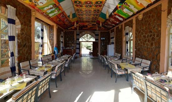 Four sisters picture of 4 sisters restaurant gonder for Four restaurant