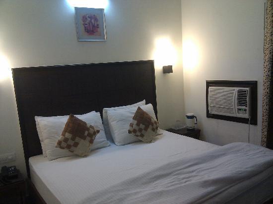 Hotel Jiwan Plaza: bed