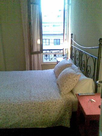 B&B Hi Valencia Cánovas: my beautiful room (704)