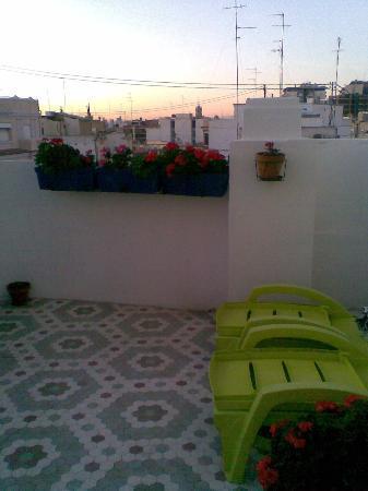 B&B Hi Valencia Canovas: rooftop terrace, usually sunny