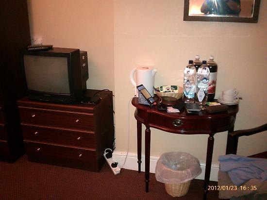 Five Bells Hotel: Room 02