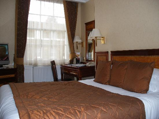 Grange Clarendon Hotel: Nicely Furnished Clarendon