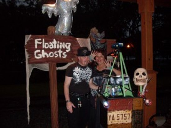 Floating Ghosts Seance Tour: Ghost Hosts with the Spirit Tracker 9