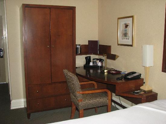 La Quinta Inn & Suites Dallas Downtown: Hotel Lawrence - Bedroom (2)
