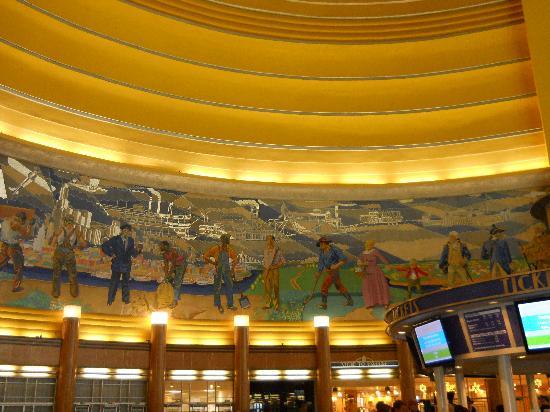 Cincinnati Museum Center : lobby