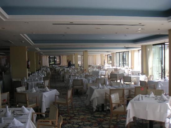 IFA Faro Hotel: Blick in den Speisesaal