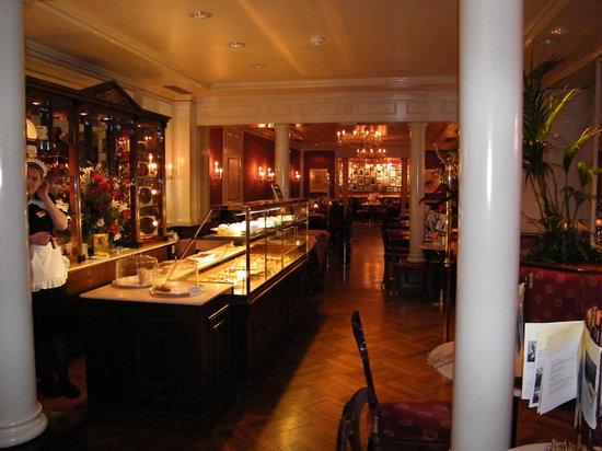 Café Sacher Salzburg: la sala