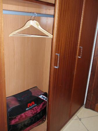 Hotel Amouday: The closet in our room.