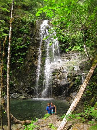 Rainbird Excursions: Spectacular Weiner Falls-a 20 minute hike away.