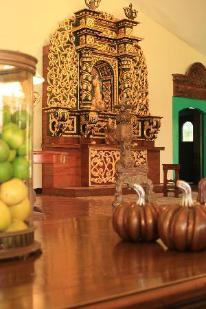 Hotel El Convento: Main Altar detail