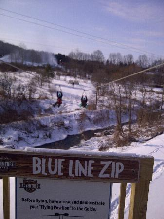 Hope Lake Lodge & Conference Center: Zip Line at Adventure Center right across street from Hope Lodge