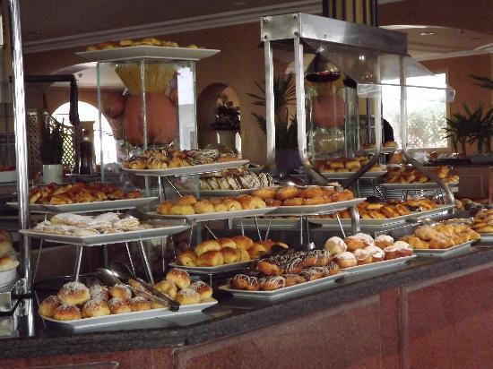 Iberotel Palace: Breakfast....yum.