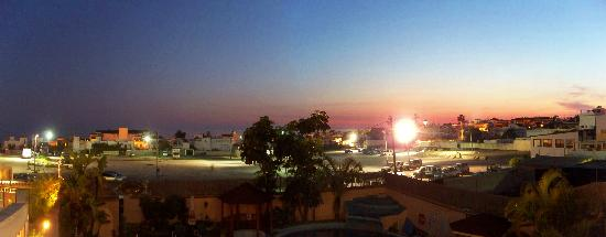 Hotel Nerja Princ: Evening view