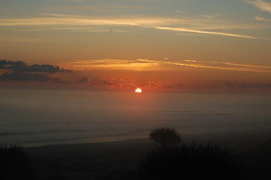 Sea Villas: sunrise view from #215
