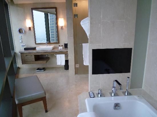 Sheraton Seoul D Cube City Hotel: Suite - Bathroom