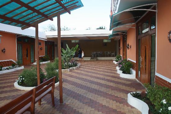 Blue Marlin Hotel : Main courtyard in Blue Marlin