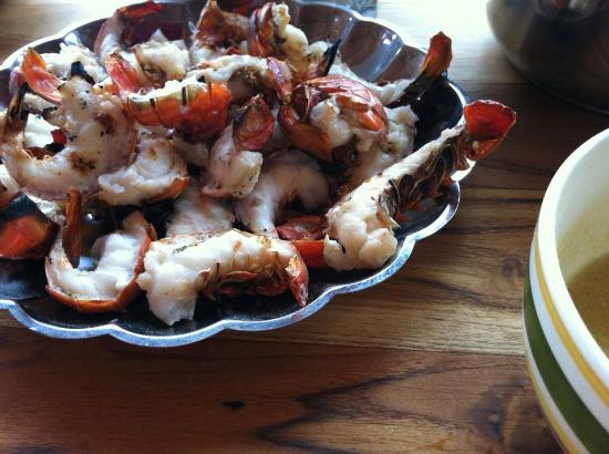 Buena Onda Backpackers: A whole pound of grilled lobster tails fresh out of the ocean