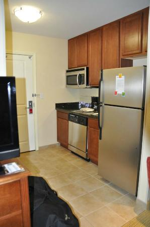 TownePlace Suites Tucson Airport : Küchenzeile