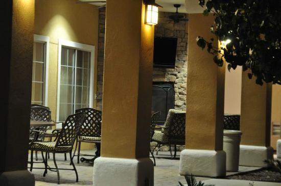 TownePlace Suites Tucson Airport : Terrasse