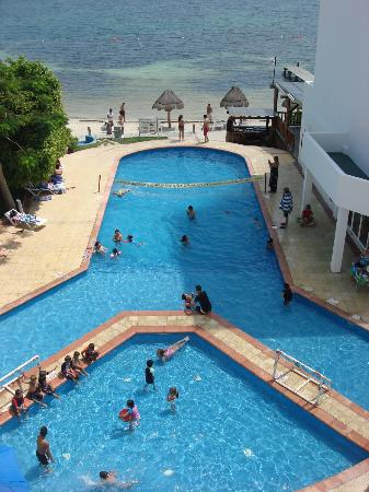 Holiday Inn Cancun Arenas: Alberca