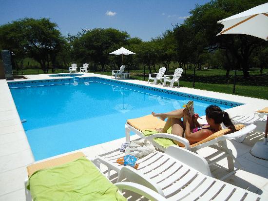 Piscina picture of piedras del sol villa general for K sol piscinas