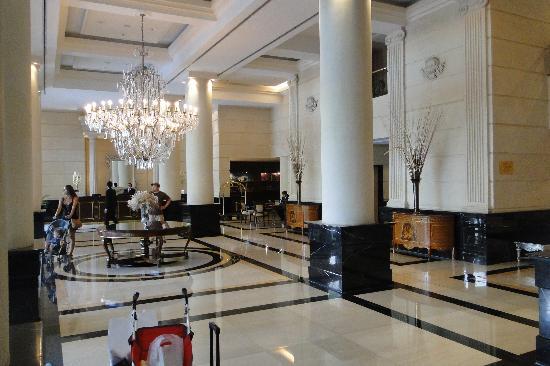 Diplomatic Hotel: LOBBY 2