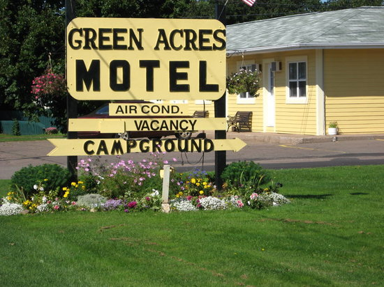 ‪Green Acres Motel‬