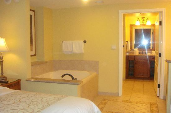 Tub in the bedroom