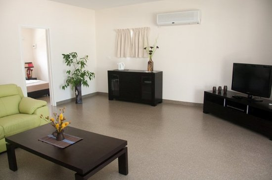 Aquana Beach Resort: Spacious one bedroom Bungalow
