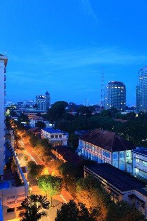 Saigon Sky Garden : Street view from above