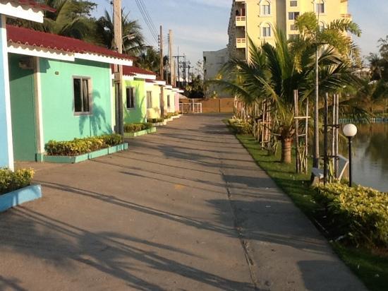 Suanpanja Resort : small villas