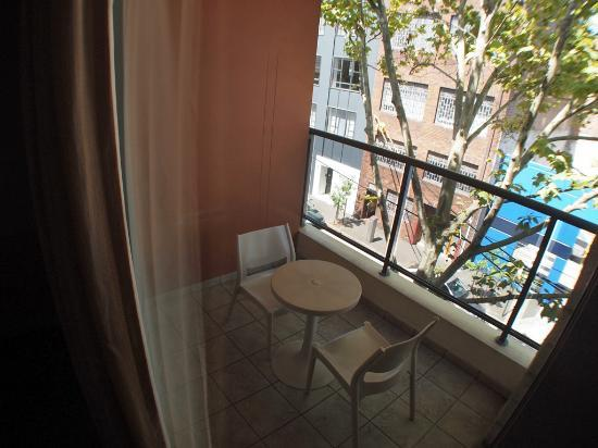 Waldorf Sydney Central Serviced Apartments : The balcony.